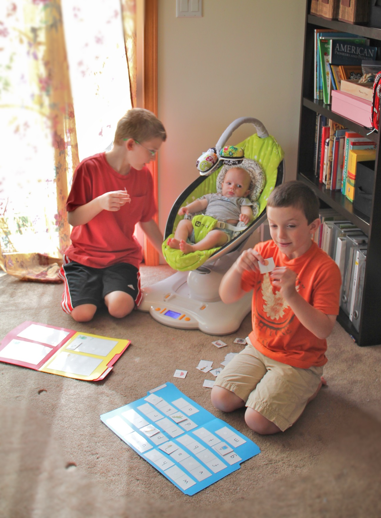 Our Homeschool Day with File Folder Games #iHN @DinkerGiggles
