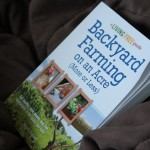 Gardening book for beginners @DinkerGiggles #BackyardFarming #VerticalGardening